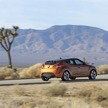 2012-Hyundai-Veloster-Official-30
