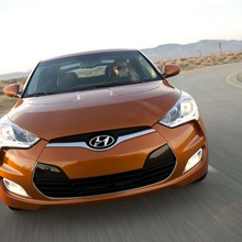 2012-Hyundai-Veloster-Official-32