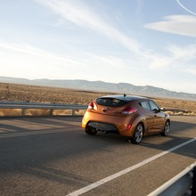 2012-Hyundai-Veloster-Official-34