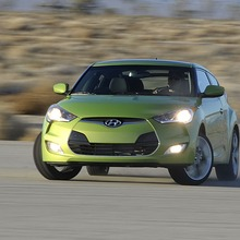 2012-Hyundai-Veloster-Official-38