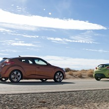 2012-Hyundai-Veloster-Official-40