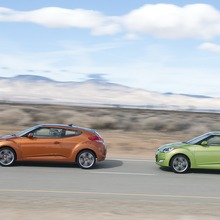 2012-Hyundai-Veloster-Official-41