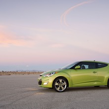 2012-Hyundai-Veloster-Official-43