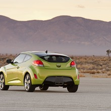 2012-Hyundai-Veloster-Official-44