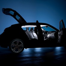 2012-Hyundai-Veloster-01