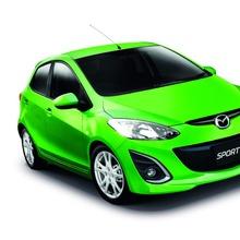 2012-Mazda2-Motor-Expo-2011