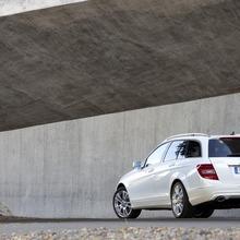 2012-Mercedes-Benz-C-Class-Facelift-25