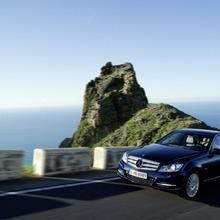 2012-Mercedes-Benz-C-Class-Facelift-36