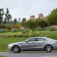 2012-Mercedes-CLS-63-AMG-40