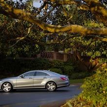 2012-Mercedes-CLS-63-AMG-43