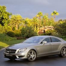 2012-Mercedes-CLS-63-AMG-44