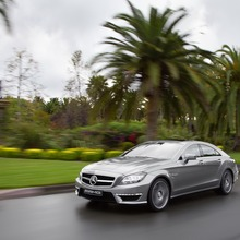 2012-Mercedes-CLS-63-AMG-46