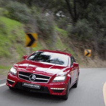 2012-Mercedes-CLS-63-AMG-47