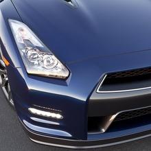 2012-Nissan-GT-R-Facelift-US-02
