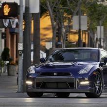 2012-Nissan-GT-R-Facelift-US-08