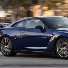 2012-Nissan-GT-R-Facelift-US-11