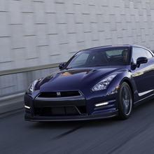 2012-Nissan-GT-R-Facelift-US-13