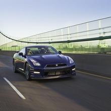 2012-Nissan-GT-R-Facelift-US-18