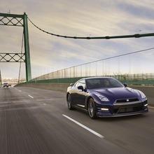 2012-Nissan-GT-R-Facelift-US-21
