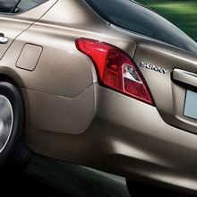 2012-Nissan-Sunny-7