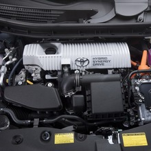 2011-Toyota-Prius-V-Minivan-71