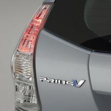 2011-Toyota-Prius-V-Minivan-74