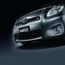 2012-Toyota-Yaris-RS(70)