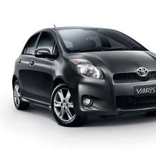 2012-Toyota-Yaris-RS(9)