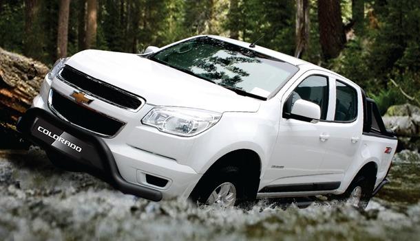 2013-Chevrolet-Colorado-01