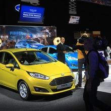 2013-Ford-Fiesta-03