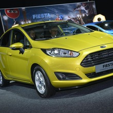 2013-Ford-Fiesta-05