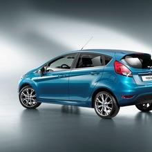 2013-Ford-Fiesta-19