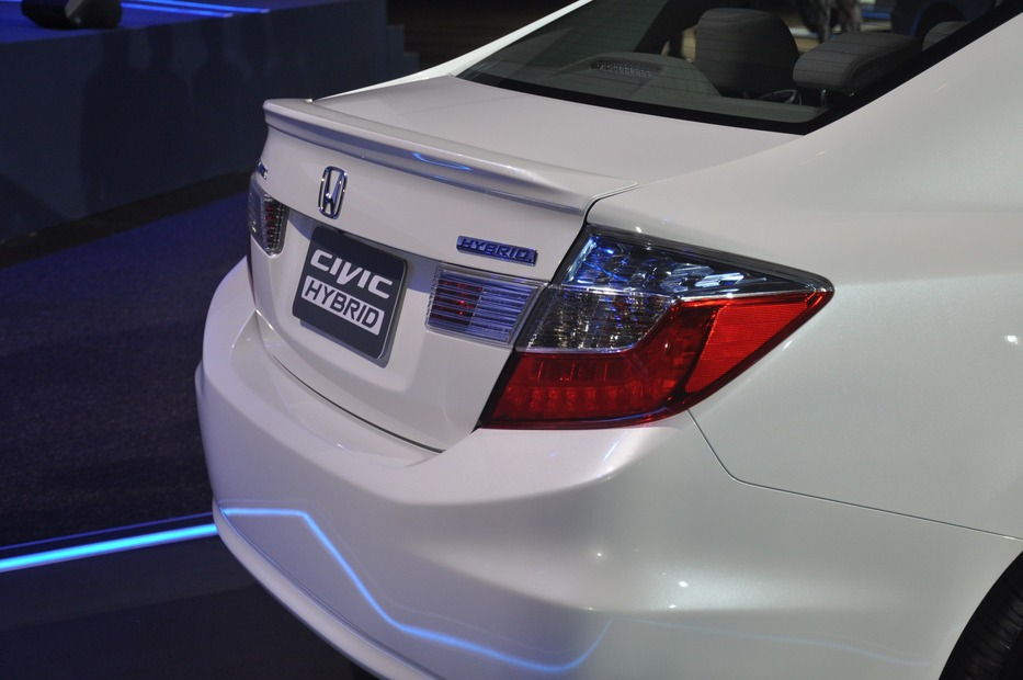 2013-Honda-Civic-Hybrid-Thailand