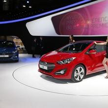 2013-Hyundai-i30-3D-02