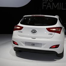 2013-Hyundai-i30-3D-09