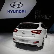 2013-Hyundai-i30-3D-14