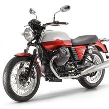 2013-Moto-Guzzi-V7