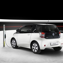 2013-Toyota-iQ-EV