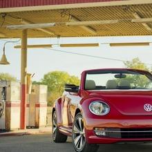 2013-Volkswagen-Beetle-Convertible-06