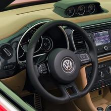2013-Volkswagen-Beetle-Convertible-11