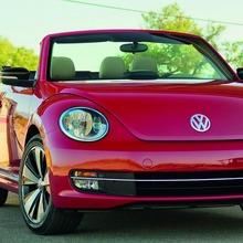 2013-Volkswagen-Beetle-Convertible-12