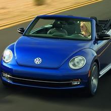 2013-Volkswagen-Beetle-Convertible-13