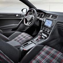 2013-Volkswagen-Golf-VII-GTI-05