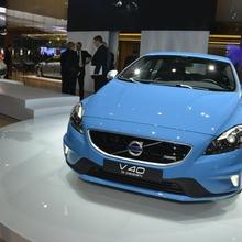 2013-Volvo-V40-R-Design-02