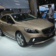 2013-Volvo-V40-R-Design-06