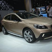 2013-Volvo-V40-R-Design-07