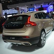 2013-Volvo-V40-R-Design-08