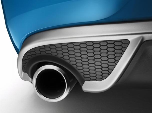 2013-Volvo-V40-R-Design-20