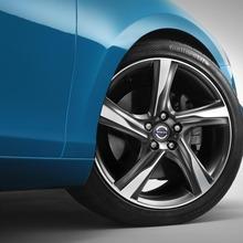 2013-Volvo-V40-R-Design-21