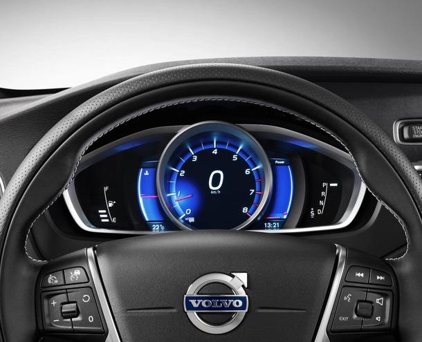 2013-Volvo-V40-R-Design-24